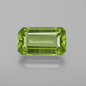 Medium Green Peridoto Gema - 4.7ct Forma octagonal (ID: 369336)