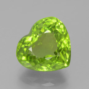 Medium-Light Green Peridoto Gema - 5.8ct Forma de corazón (ID: 379032)