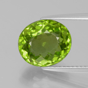Medium Green Peridot Gem - 4.3ct Oval Facet (ID: 399278)