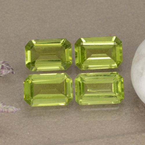 Medium Green Peridoto Gema - 0.6ct Corte octagonal (ID: 474967)