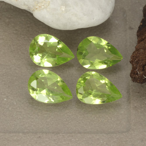 Lively Green Peridot Gem - 0.6ct Pear Facet (ID: 477223)