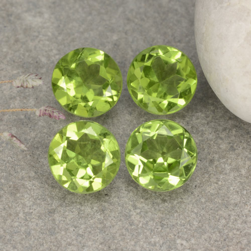Lively Green Peridot Gem - 1.2ct Round Facet (ID: 481095)