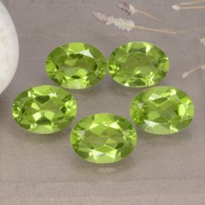Lively Green Peridot Gem - 1.3ct Oval Facet (ID: 481258)