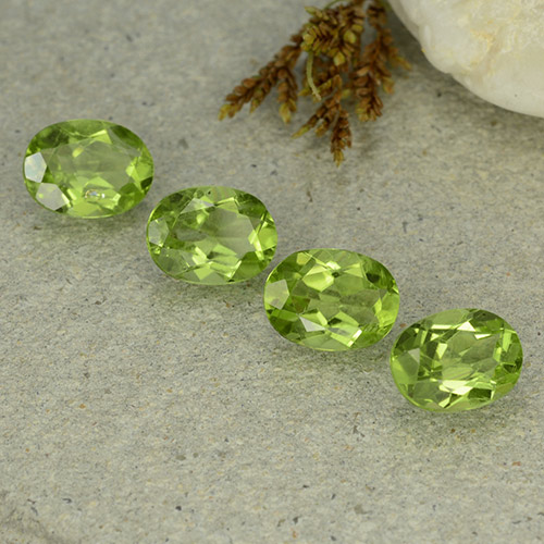 Olive Green Peridot Gem - 1.4ct Oval Facet (ID: 484268)