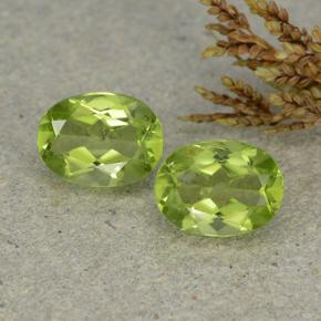 Lively Green Peridot Gem - 1.4ct Oval Facet (ID: 484408)
