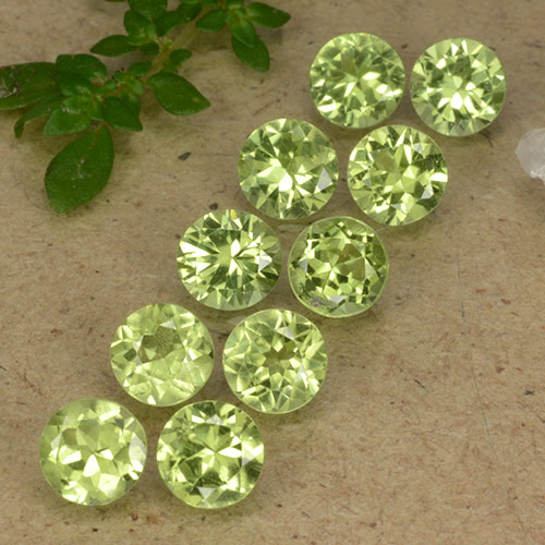 Light Lively Green Peridoto Gema - 0.4ct Faceta Redonda (ID: 489375)