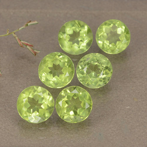 Light Lively Green 橄榄石 Gem - 0.5ct 圆形切面 (ID: 489414)