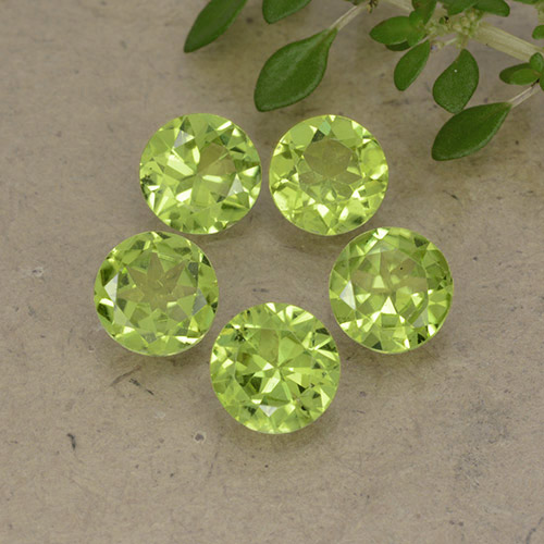 Light Lively Green Peridot Gem - 0.7ct Round Facet (ID: 490907)