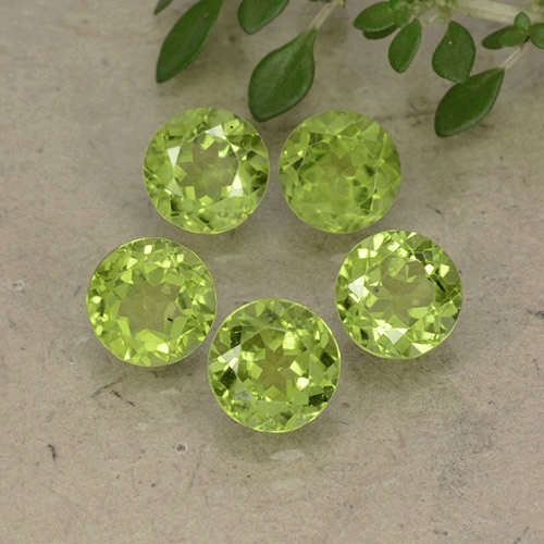 Lively Green Peridot Gem - 1ct Round Facet (ID: 490908)