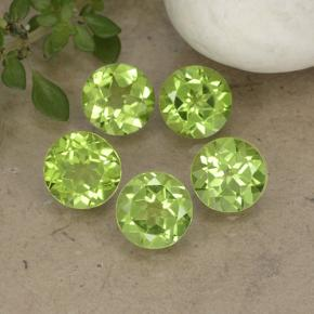 Lively Green Peridot Gem - 0.9ct Round Facet (ID: 490913)