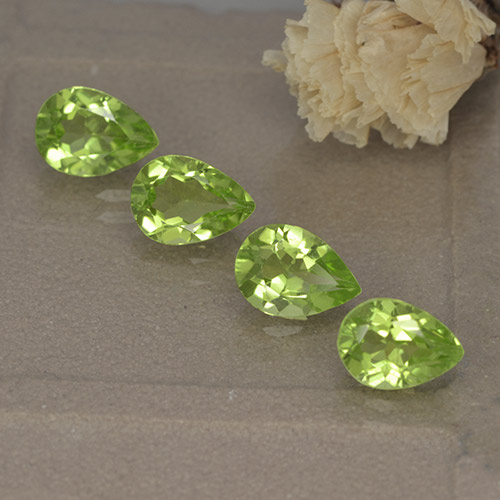 Lively Green Peridot Gem - 0.8ct Pear Facet (ID: 497234)