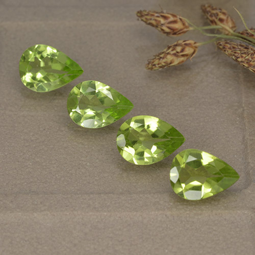 0.6ct Pear Facet Lively Green Peridot Gem (ID: 497263)