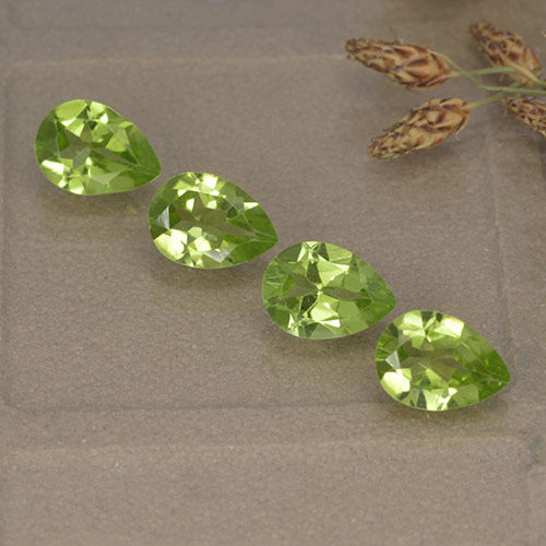 0.8ct Pear Facet Lively Green Peridot Gem (ID: 497264)