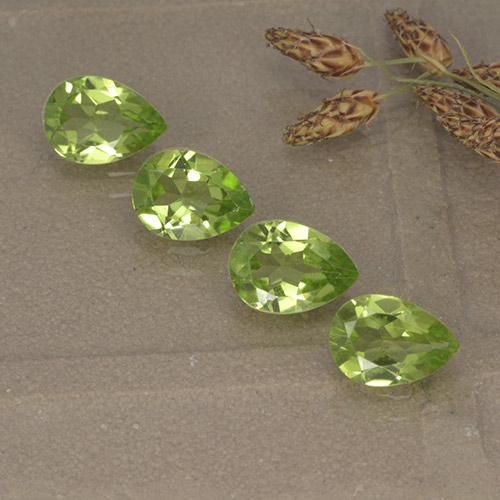 0.8ct Pear Facet Lively Green Peridot Gem (ID: 497267)