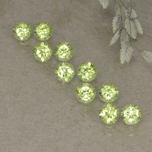 Light Yellow Green Peridoto Gema - 0.1ct Faceta Redonda (ID: 498233)