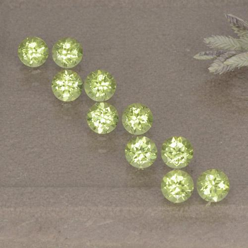 Lively Green Peridot Gem - 0.1ct Round Facet (ID: 498516)