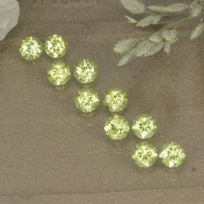 Lively Green Peridot Gem - 0.1ct Round Facet (ID: 498551)