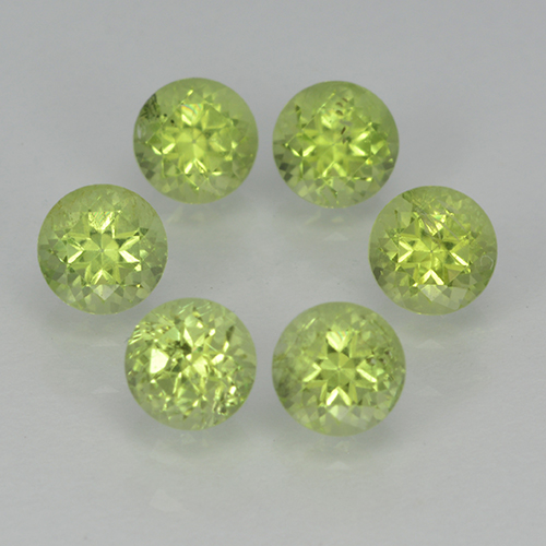 Lively Green Peridot Gem - 0.3ct Round Facet (ID: 500054)