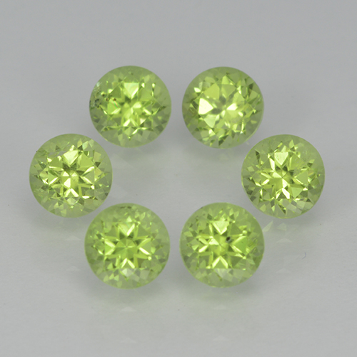 Lively Green Peridot Gem - 0.3ct Round Facet (ID: 500058)