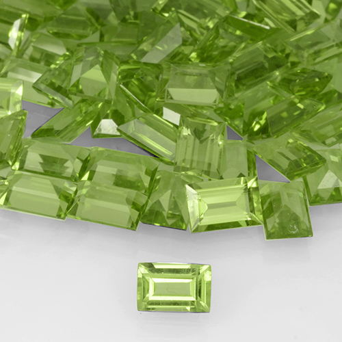 Lively Green Peridot Gem - 0.6ct Baguette Step Cut (ID: 505202)