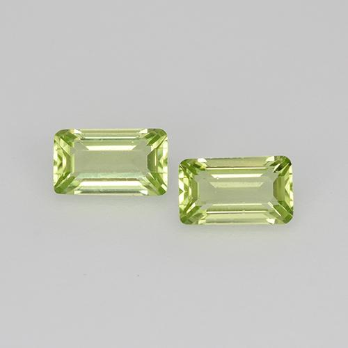 Lively Green Peridot Gem - 0.3ct Octagon Step Cut (ID: 525115)