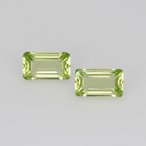 Medium Green Peridot Gem - 0.3ct Octagon Step Cut (ID: 525121)