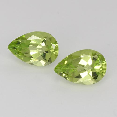 Lively Green Peridot Gem - 0.5ct Pear Facet (ID: 526762)