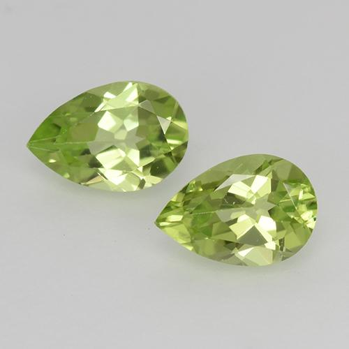 Lively Green Peridot Gem - 0.5ct Pear Facet (ID: 526769)
