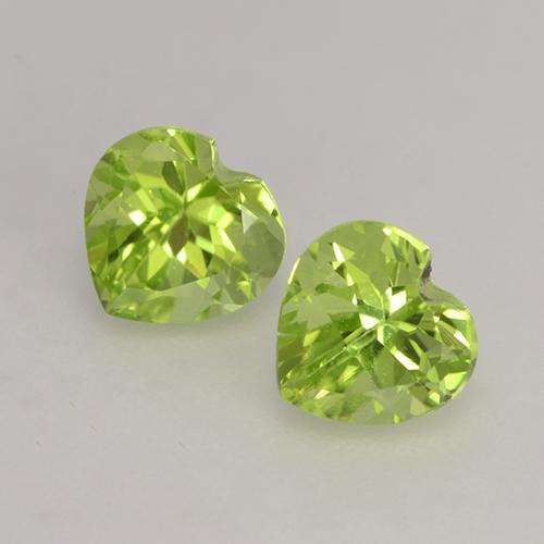 Lively Green Peridot Gem - 0.5ct Heart Facet (ID: 528278)