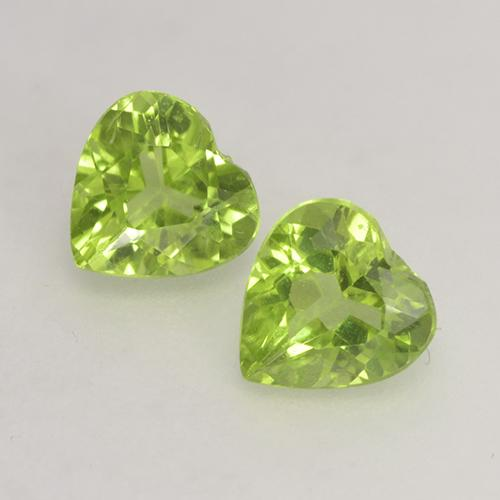Lively Green Peridot Gem - 0.5ct Heart Facet (ID: 528279)