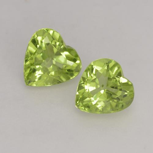 Lively Green Peridot Gem - 0.5ct Heart Facet (ID: 528281)