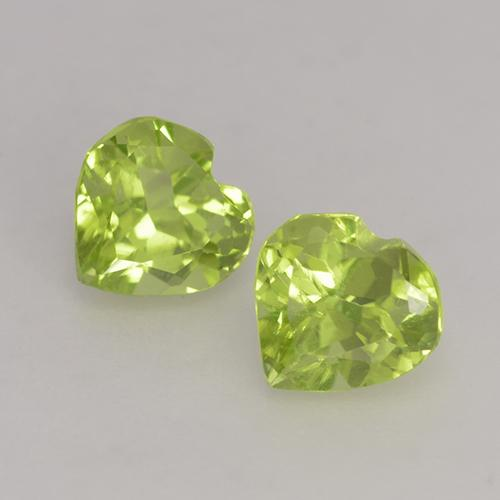 Lively Yellowish Green Peridot Gem - 0.5ct Heart Facet (ID: 528282)
