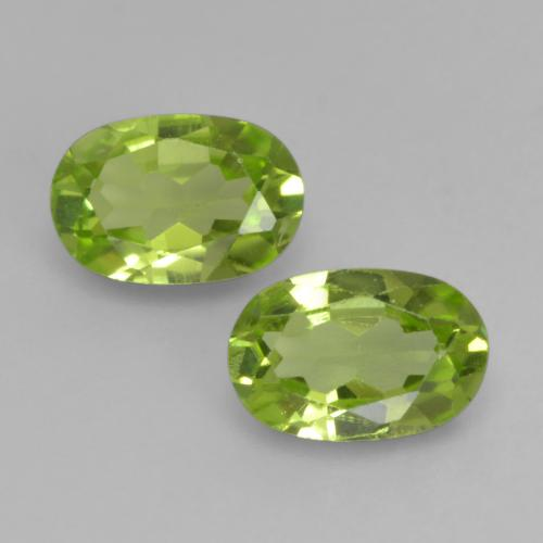 Lively Green Peridot Gem - 0.5ct Oval Facet (ID: 537480)