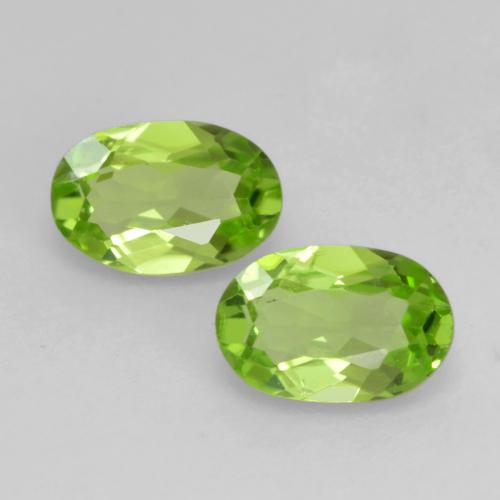 Medium Green Peridoto Gema - 0.5ct Forma ovalada (ID: 537486)