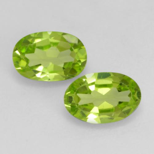 Lively Green Peridot Gem - 0.5ct Oval Facet (ID: 537487)