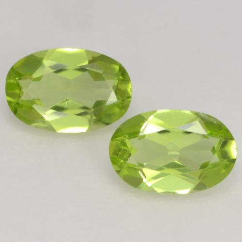 Light Lively Green Peridot Gem - 0.5ct Oval Facet (ID: 537690)