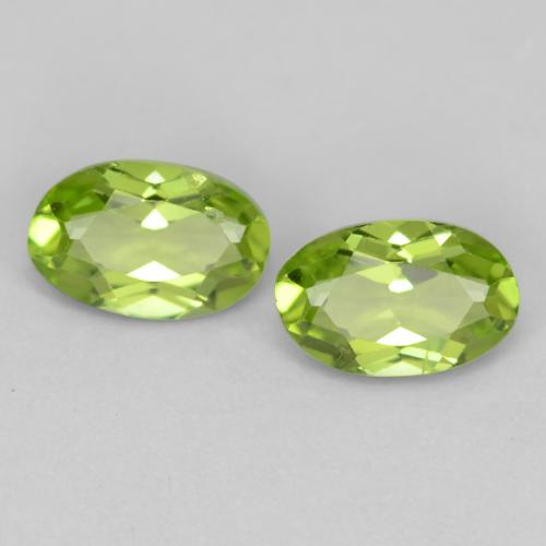 Lively Green Peridot Gem - 0.5ct Oval Facet (ID: 537780)