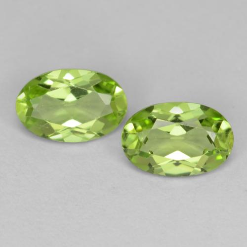 Medium Green Peridoto Gema - 0.5ct Forma ovalada (ID: 537784)