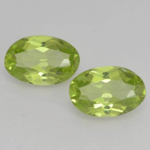 Light Lively Green Peridot Gem - 0.5ct Oval Facet (ID: 537884)