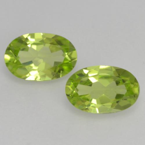 Light Lively Green Peridot Gem - 0.5ct Oval Facet (ID: 537885)
