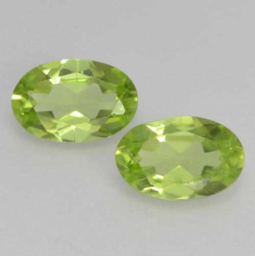 Light Lively Green Peridot Gem - 0.5ct Oval Facet (ID: 537890)