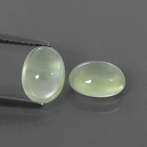 Pale Pear Green  Prehnite Gem - 1.5ct Oval Cabochon (ID: 322369)