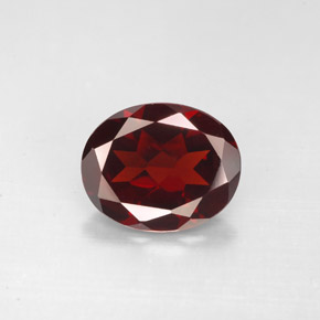 Buy 2.86 ct Deep Red Pyrope Garnet 10.07 mm x 8.2 mm from GemSelect (Product ID: 281231)