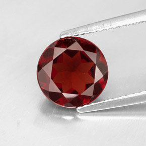 Buy 2.59ct Deep Red Pyrope Garnet 8.85mm  from GemSelect (Product ID: 305314)
