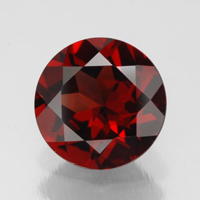 Buy 2.77 ct Deep Red Pyrope Garnet 9.04 mm  from GemSelect (Product ID: 308454)