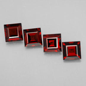 Buy 5.43 ct Deep Red Pyrope Garnet 6.12 mm x 6.1 mm from GemSelect (Product ID: 312606)