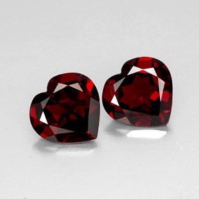 Buy 6.88 ct Deep Red Pyrope Garnet 10.11 mm x 9.9 mm from GemSelect (Product ID: 317871)