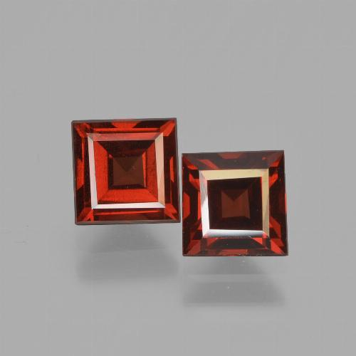 Red Pyrope Garnet Gem - 0.9ct Square Facet (ID: 449975)