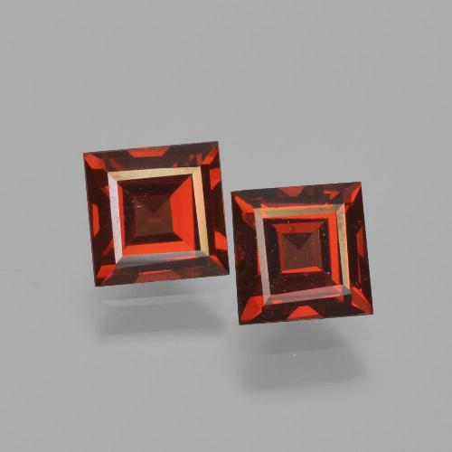Red Pyrope Garnet Gem - 0.8ct Square Facet (ID: 449976)