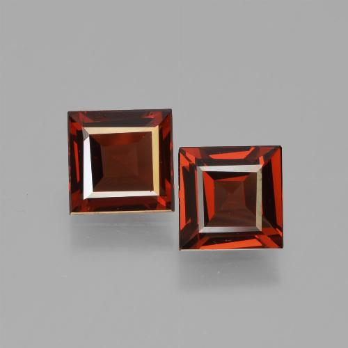 Red Pyrope Garnet Gem - 0.7ct Square Facet (ID: 449977)